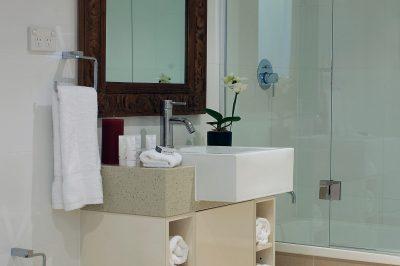 2 bedroom - 2nd Bathroom